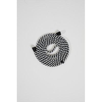 Lanière cordon en coton tressée avec embout en métal noir mat, coloris zébré noir et blanc